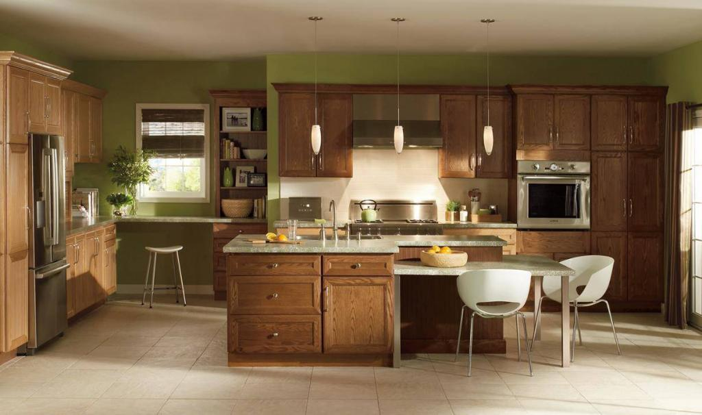 Homecrest Eastport Oak Chesnut1 1024x606 Semi Custom Kitchen Cabinets
