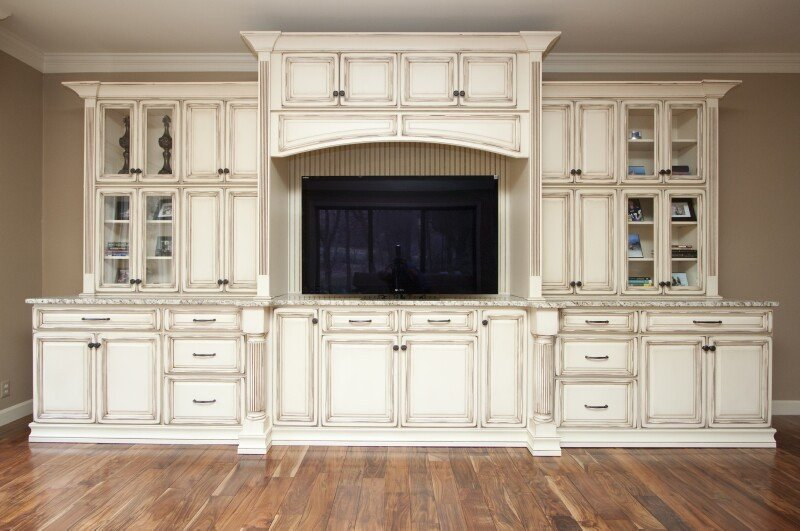 Timberland French Vanilla with Vandyke Distressing Premium1 Stock Kitchen Cabinets