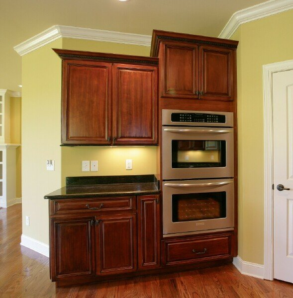 Timberland Mocha with Vandyke Distressing Premium1 Stock Kitchen Cabinets